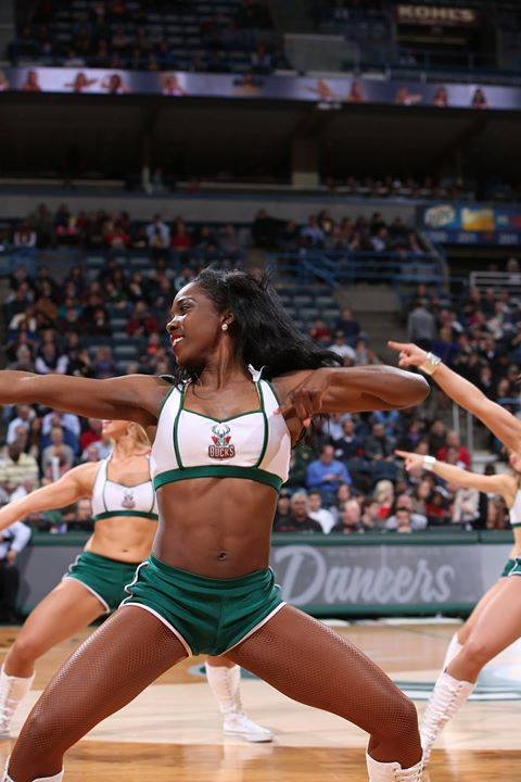 Milwaukee Bucks Energee! Dancers